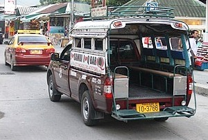 samui taxi songthaew taxis collectifs